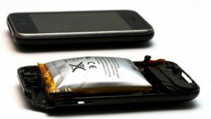 От чего вздувается батарея в телефоне